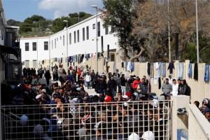 immigrati-centro-accoglienza-lampedusa1
