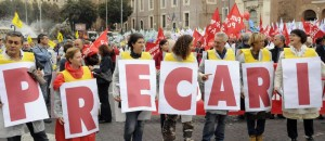 27/10/2012 Roma. Manifestazione nazionale dei medici in difesa del Servizio Sanitario Nazionale, nella foto uno striscione realizzato da un gruppo di precari